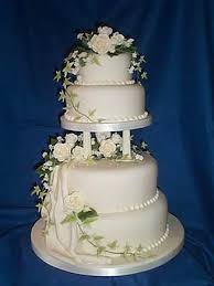 decorations for wedding cakes best 25 beaded wedding cake ideas on
