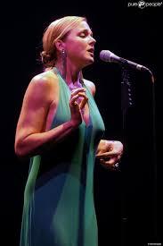 storm large pink martini et storm large en concert à milan le 16 juillet 2012