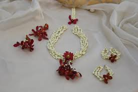 wedding flowers jewellery deck up for pre wedding events with floral jewellery topnews