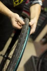 comment changer une chambre a air comment changer une chambre à air de vélo tuto ultimebike