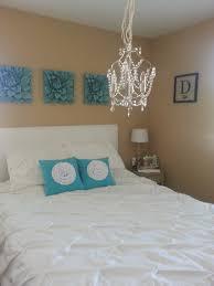 bedroom square white pillow design white tulip flower shape