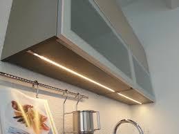 eclairage cuisine sans fil merveilleux fixer un plan de travail cuisine 16 eclairage sous
