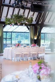 tons mariage décoration de mariage dans les tons roses renoncule mariage