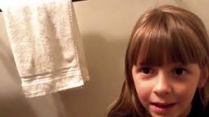 www womenwhocutflattophaircutson watch this dad give his daughter a haircut without mommy s