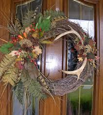 Christmas Decorations For Deer Mounts by Best 25 Deer Antlers Ideas On Pinterest Deer Decor Antler Art