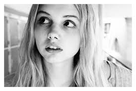 Personality ... MBTI Enneagram Cassie ( Skins ) ... loading picture