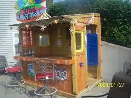 Tiki Backyard Designs by Best 25 Outdoor Tiki Bar Ideas On Pinterest Tiki Bars Outdoor