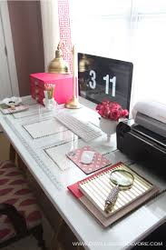 desk omg super girly and minimal just how i want it