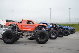 pictures of bigfoot monster truck photo gallery bigfoot family reunion onallcylinders