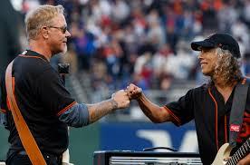 Kirk Hammett Metallica U0027s James Hetfield U0026 Kirk Hammett Light Up Giants Stadium