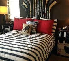 hockey bedrooms hockey bedroom decorating ideas hockey themed bedding best hockey