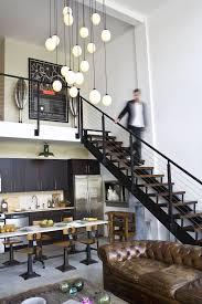 cuisine de loft cuisine de loft avec escalier industriel ee