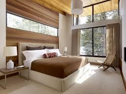 schlafzimmer teppich braun kleines schlafzimmer mit großer fensterfront einrichten