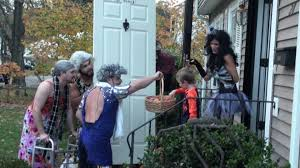 funny halloween pranks grandmas u0027 reverse trick or treating halloween prank youtube
