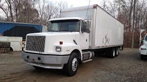 2004 volvo truck flatbed trucks