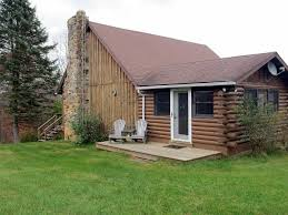 lodging highland county virginia nestled 5 2 miles north of mcdowell this beautiful cabin sits on 135 acres of wonderful forest and farmland with a fully equipped kitchen 2 bedrooms