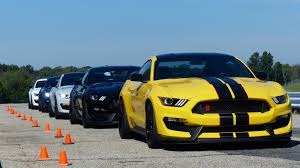 Mustang Black Roof I Just Spent A Day Riding In A Shelby Gt350r Mustang And I Can U0027t Even