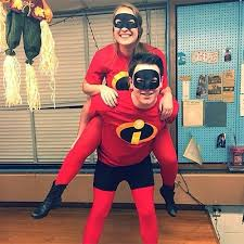 Incredibles Halloween Costume Pixar Halloween Couples Costumes Incredibles Clevver