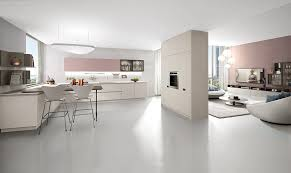 cucine e soggiorno dividere cucina e soggiorno con mobili a colonna casafacile