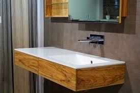 badezimmer badmã bel chestha design badezimmer holzboden