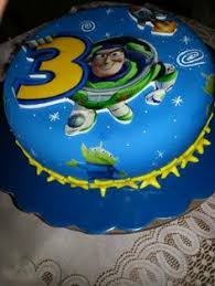 Buzz Lightyear Centerpieces by Buzz Lightyear Cupcakes By Yuyu Toystory Mouse Treats