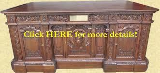 Presidential Desks Resolute Desk Replicas Of The White House Oval Office President U0027s Desk