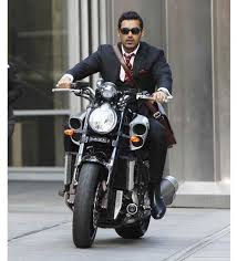 hellcat x132 dhoni dhoni borrowed this bike from a zimbabwean cop gq india gq gears