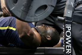 Combine Bench Press Record Who Were The Strongest Players At The 2017 Nfl Scouting Combine