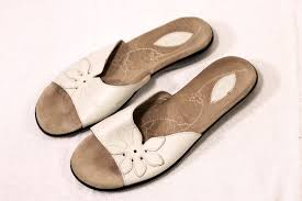 vintage woman u0027s clarks white casual sandals size 8 5 b made in