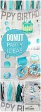 vaisselle jetable fete les 25 meilleures idées de la catégorie décorations de fête de