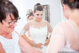 essayage robe de mari e le dernier essayage de robe de mariée
