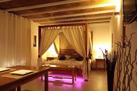 chambre avec jaccuzi weekend en amoureux 13 la paillote exotique chambre avec
