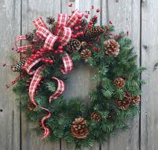 Ideas On Decorating Christmas Wreaths by Best 25 Christmas Wreaths Ideas On Pinterest Diy Christmas