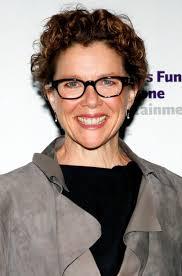 choosing eyeglass frames for older women