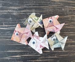 hochzeitsgeschenke mit geld fisch falten aus geldschein einfache anleitung geschenke de