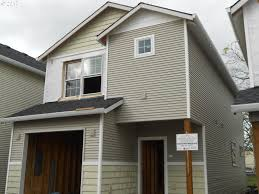 Ron Russell Roofing by 2732 Se 122nd Ave Portland Or 97236 Mls 17645693 Redfin