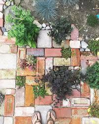 Pavers In Backyard by Best 10 Brick Garden Ideas On Pinterest Brick Path Brick