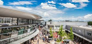designer outlets record year 2016 2 8 million visitors for the designer outlets