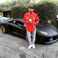 bugatti chris brown chris brown gives daughter royalty mini replicas of his lamborghinis