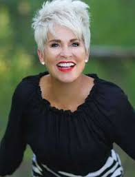 2018 2019 short and modern hairstyles for stylish older ladies