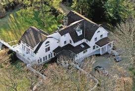 clinton residence inside bill hillary clinton s 1 7 million home in chappaqua