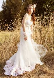 outdoor wedding dresses tips for fall wedding dresses 2016