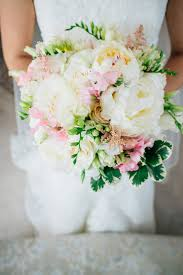 white bouquet 25 breathtaking wedding bouquets you ll want to