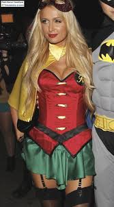 411mania Paris Hilton Shows Off Cleavage In Robin Costume