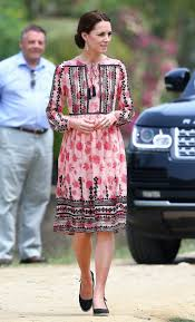 kate middleton wears topshop dress on india tour