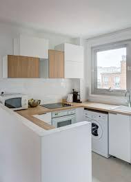 cuisine cocoon cuisine intégrée ouverte total look blanc et bois réaménagement