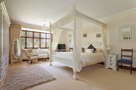 Things In A Bedroom Are You U0027common U0027 If You Have One Of These Six Things In Your