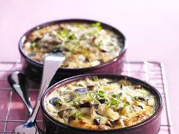 cuisiner une aubergine clafoutis d aubergine facile et pas cher recette sur cuisine actuelle