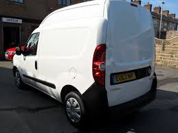 vauxhall combo vauxhall combo 1 6 2000 l1h2 cdti s s manual for sale in leigh