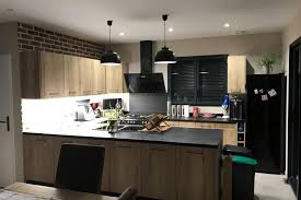 cuisiniste pontivy cuisine client une cuisine en bois moderne et de caractère